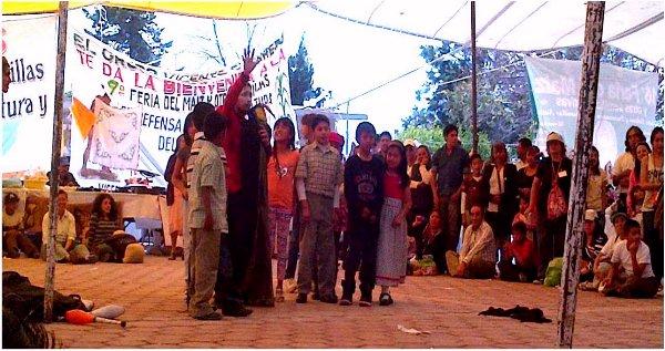 Los niños de la Comunidad Vicente Guerrero contra el maíz transgénico