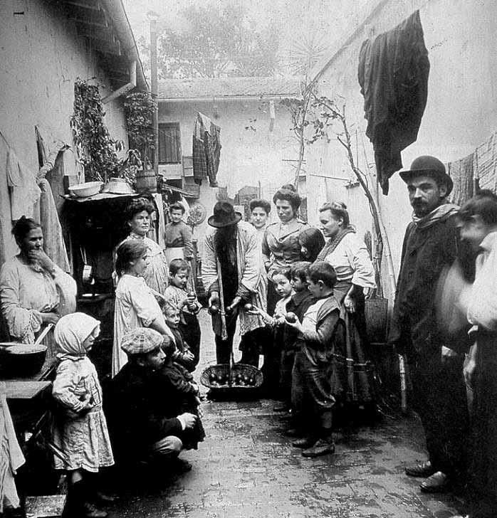 Historia de la influencia de la cocina italiana en la mesa for Cocinas industriales siglo