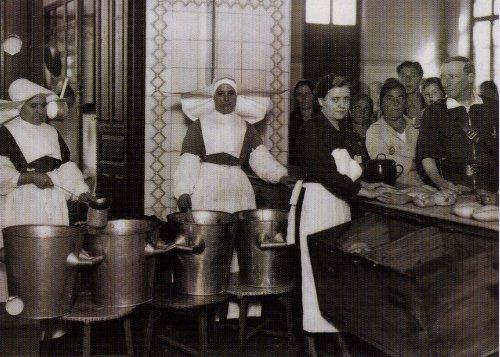 Historia de los comedores de Cocina Económica o comedores de caridad